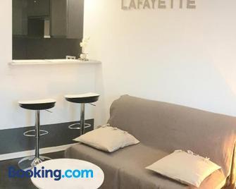 Le Lafayette 4 Pers Centre ville Wifi Parking facile 20m2 - Riom - Huiskamer