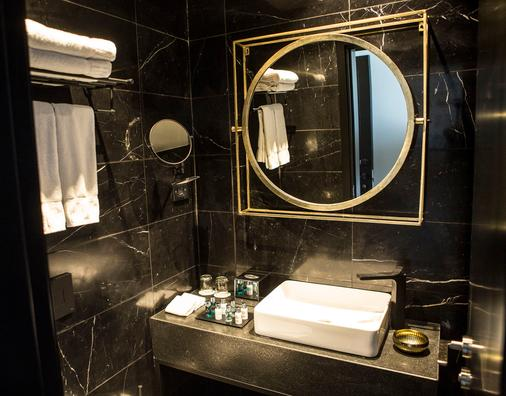 Lighthouse By Brown Hotels - Tel Aviv - Bathroom