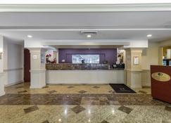 DoubleTree by Hilton Downtown Wilmington - Legal District - Wilmington - Front desk