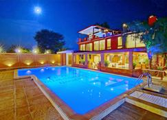 Hotel Yadanarbon Bagan - Bagan - Pool