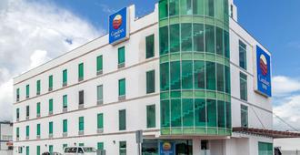 Comfort Inn Cancun Aeropuerto - Cancún - Building