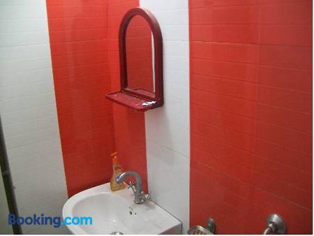 Hotel Viraat Inn - Gaya - Bathroom
