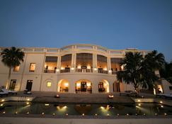 Taj Nadesar Palace,Varanasi - Vārānasi - Building