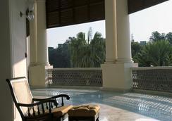 Taj Nadesar Palace,Varanasi - Vārānasi - Πισίνα