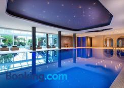 Hotel Fayn Garden Retreat - Lagundo - Pool