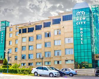New City Hotel - Novxani - Building