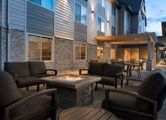 Country Inn & Suites by Radisson, St. Cloud, MN - St. Cloud - Patio