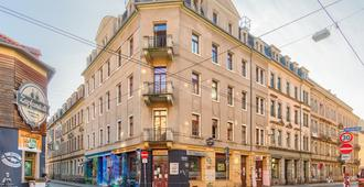 Hostel Lollis Homestay Dresden - Dresden - Building