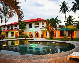 Grand Eastern Hotel - Labasa - Pool