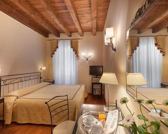 Hotel Marco Polo - Verona - Habitación