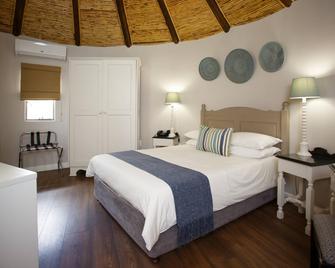 Protea Hotel by Marriott Oudtshoorn Riempie Estate - Oudtshoorn - Bedroom