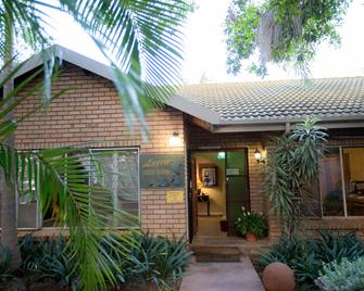Loerie Guesthouse - Hoedspruit - Outdoors view