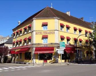 Hotêl Au Terminus - Лонс-ле-Соньє - Будівля