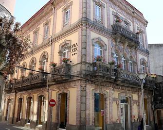 Vía XIX - Caldas de Reis - Building