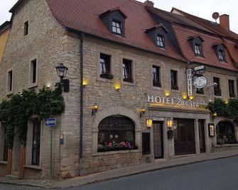 Hotel Restaurant Zur Traube - Freyburg - Gebouw