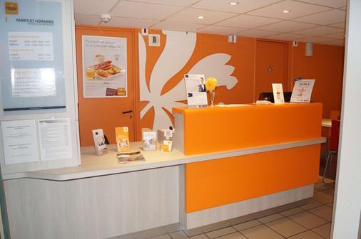 Premiere Classe Saumur - Saumur - Front desk