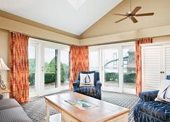 Wyndham Newport Overlook - Jamestown - Living room