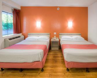 Motel 6 New London - Niantic - Niantic - Bedroom
