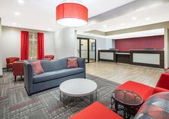 Ramada by Wyndham Alpharetta - Alpharetta - Σαλόνι ξενοδοχείου