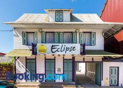 Eclipse - Cayena - Edificio