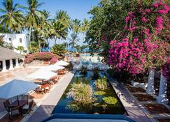 Serena Beach Resort and Spa - Момбаса - Вид снаружи