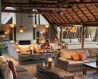 Simbavati River Lodge - Kruger National Park - Lobby