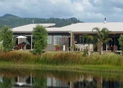 Harbour Drive B&B - Whitianga - Building
