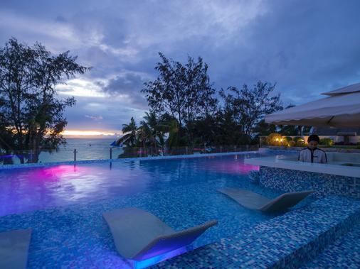 Boracay Uptown - Boracay - Pool