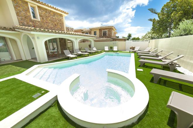 Suimi's Hotel - Villasimius - Pool
