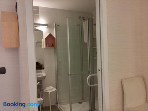 Pensión Easo - San Sebastian - Bathroom