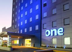 One Queretaro Aeropuerto - Κερετάρο - Κτίριο