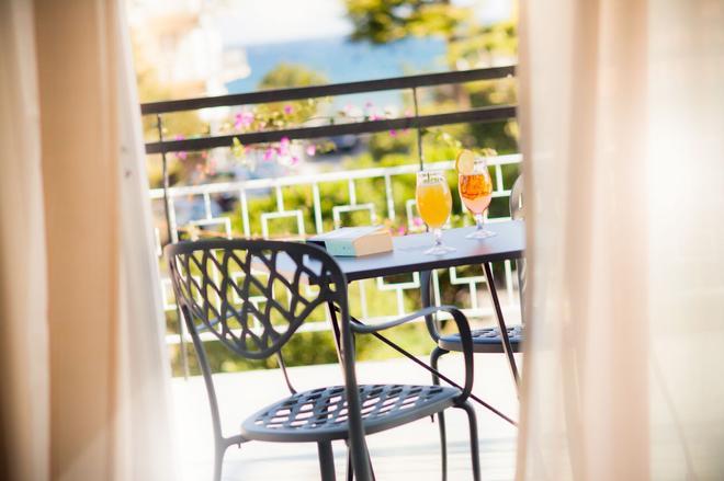 弗吉尼亞酒店 - 戴安諾碼頭 - 迪亞諾馬里納 - 陽台