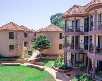 Nile Village Hotel & Spa - Jinja - Building