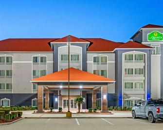 La Quinta Inn & Suites by Wyndham Gainesville - Gainesville - Gebäude
