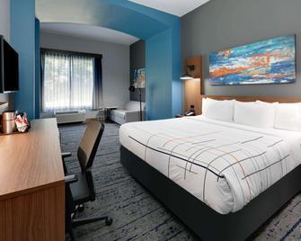 La Quinta Inn & Suites by Wyndham Jacksonville TX - Jacksonville - Slaapkamer