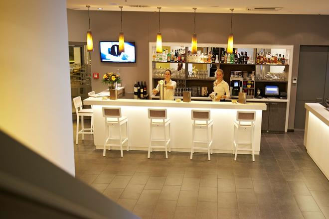 Ghotel Hotel & Living Würzburg - Wurzburg - Bar