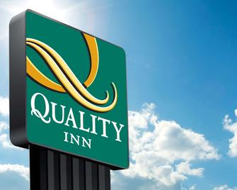 Quality Inn - Perryton - Building