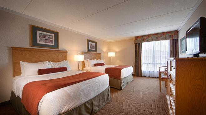 Best Western Plus Cobourg Inn & Convention Centre - Cobourg - Bedroom
