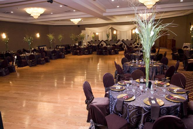 Best Western Plus Cobourg Inn & Convention Centre - Cobourg - Banquet hall