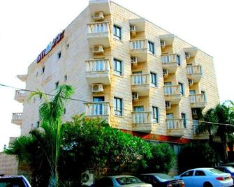 Aviv Holiday Flat - Tiberias - Building