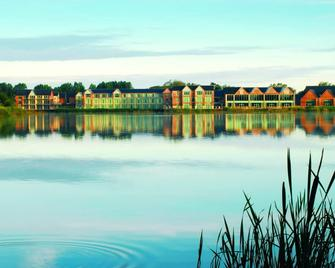 De Vere Cotswold Water Park - Cirencester - Outdoors view