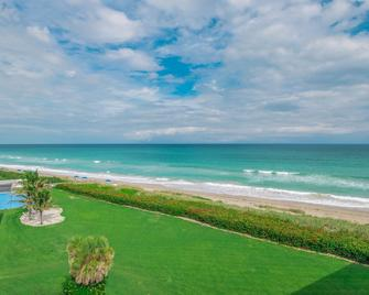 Turtle Reef Club by Capital Vacations - Jensen Beach - Strand