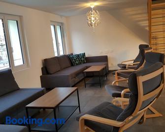 Attika Wohnung Spiez - Spiez - Living room