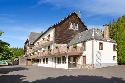 Auberge De La Petite Ferme, Super-Besse Est, The Originals Relais (Qualys-Hotel) - Besse-et-Saint-Anastaise - Gebäude