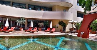 Lancaster Tamar Hotel - Beirut - Piscina