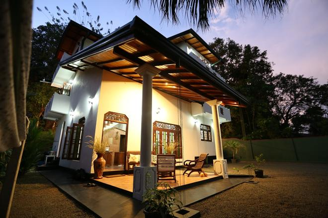 Summer Valley Boutique Villa - Unawatuna - Rakennus