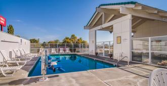 Motel 6 The Dalles - The Dalles - Pool