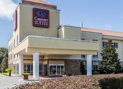 Comfort Suites - Brunswick - Building