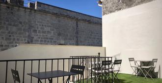 O 36 Rempart Sud B&b - Aigues-Mortes - Balcón