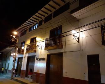 Explorer Deluxe Hotel - Chachapoyas - Building